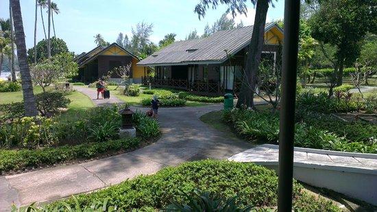 Nirwana Gardens - Mayang Sari Beach Resort: vista bungalow mayang