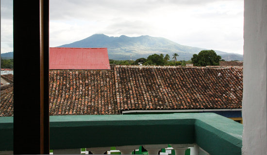 Hotel Dario: Mombacho Volcano from the room.