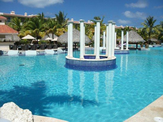 Paradisus Punta Cana Resort:                                                       POOL OF THE RESERVE