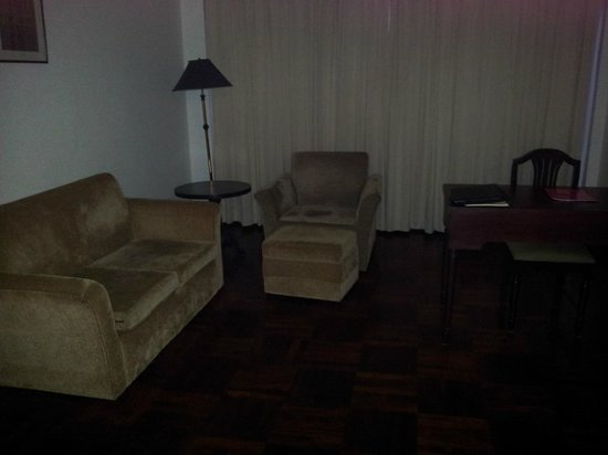 Best Western Vientiane Hotel: Comfy chairs in room