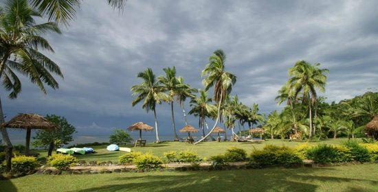 Waidroka Bay Resort :                   Grounds and lagoon