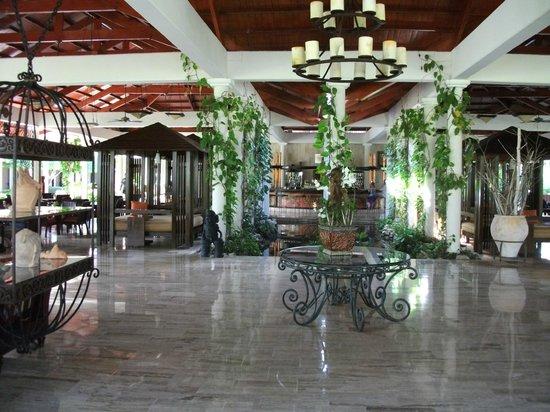 Paradisus Punta Cana:                                                       MAIN LOBBY