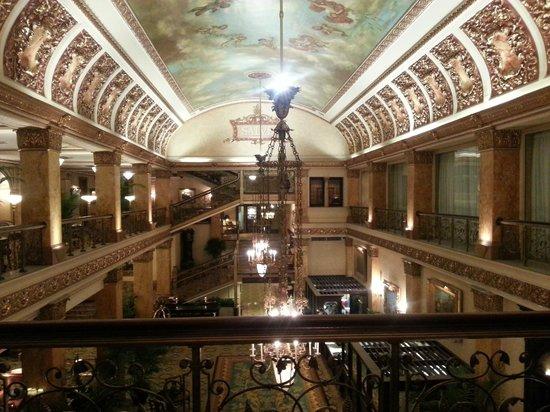 The Pfister Hotel: Hotel Lobby