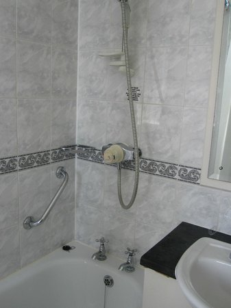 Highfield House Hotel: Bathroom