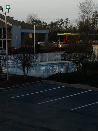 Quality Inn Fort Jackson:                   To Cold for the Pool