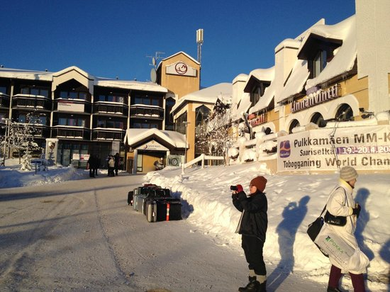 Lapland Hotel Riekonlinna:                   Front of Hotel on sunny morning -20c