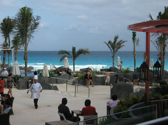 Hard Rock Hotel Cancun:                   Pool and Beach