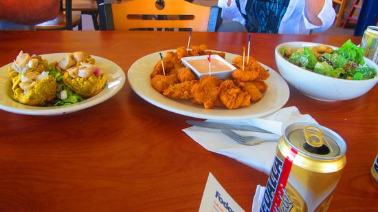 Grand Bahi­a Ocean View Hotel: Fish nuggets at Annie's