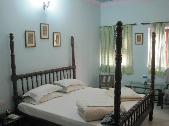 Hotel Anuraag Villa:                   Very large comfy room