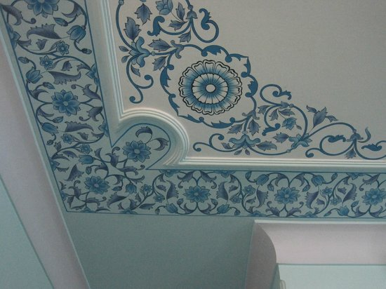 Hotel Anuraag Villa:                   Painted ceiling in my room