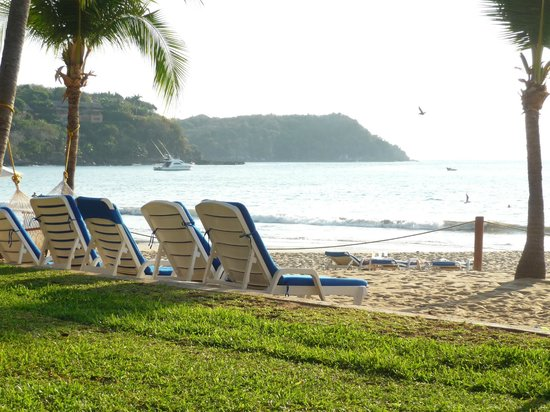 Club Med Ixtapa Pacific:                   The beach from the Sol Family Suite Buildings