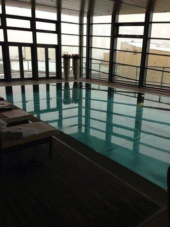 Grand Hyatt Berlin:                   プール