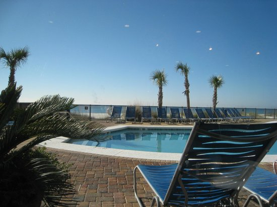 Hampton Inn & Suites Orange Beach:                                     Outdoor pool
