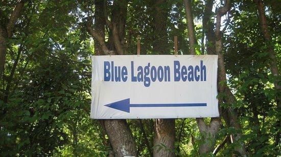 Bloo Lagoon Village:                   看板                 