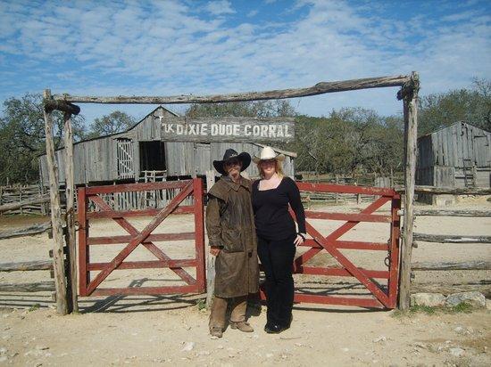 Dixie Dude Ranch :                   The original barn