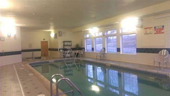 BEST WESTERN PLUS Des Moines West Inn & Suites: View of Pool