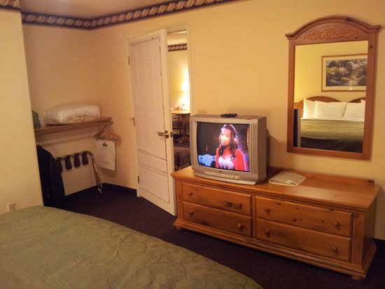 BEST WESTERN Plus Menomonie Inn & Suites:                   Dormitorio