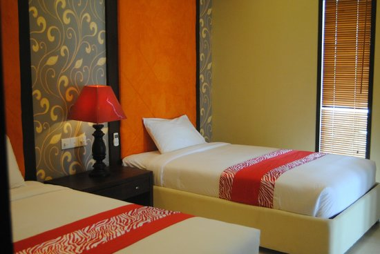 D'Kubu Legian Hotel: bed room