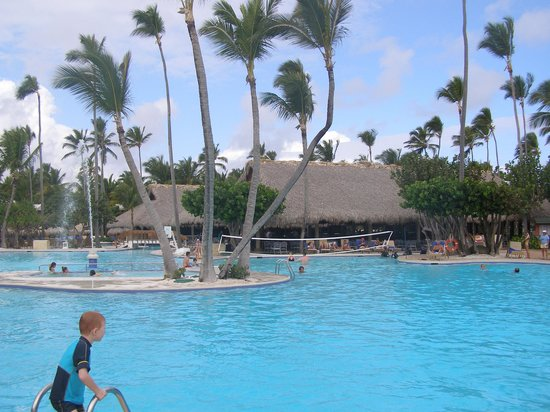 Iberostar Bavaro Suites:                   Main pool