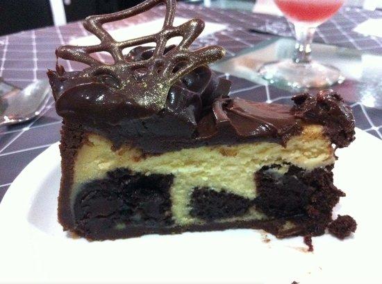 Brillocco Bistro & Pasticceria:                   Cheesecake with nutella and brownie