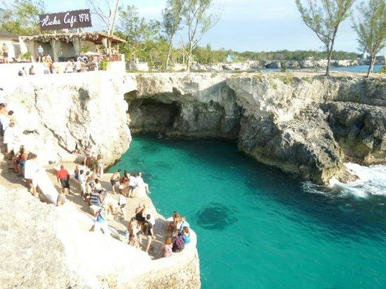 Grand Pineapple Beach Negril:                   Rick's Cafe