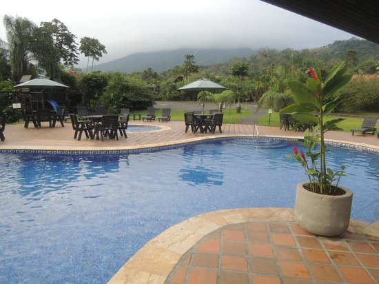 Volcano Lodge & Springs: View from the pool/jacuzzi