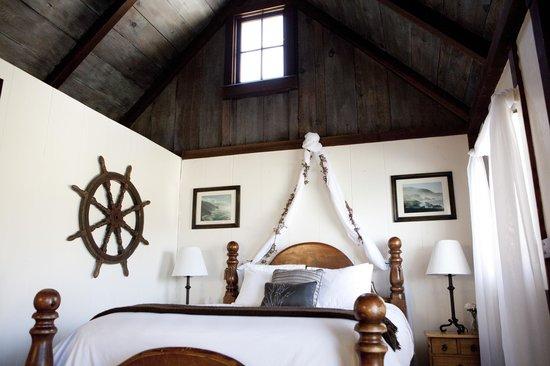 Lucia Lodge: Interior of Cabin #9