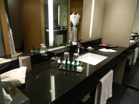 Sofitel Luxembourg Le Grand Ducal:                   Banheiro