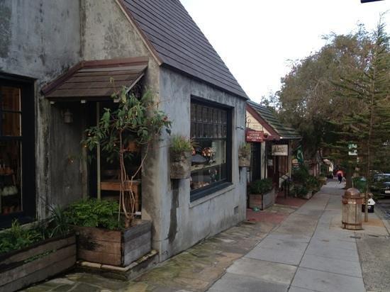 Carmel Valley Coffee Roasting:                   Sidewalk view