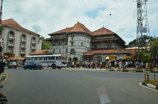 Queen's Hotel: Kandy