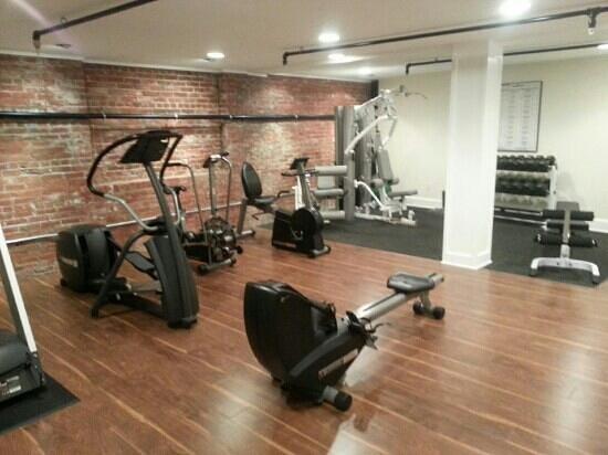 Hotel Rodney:                                     Fitness room