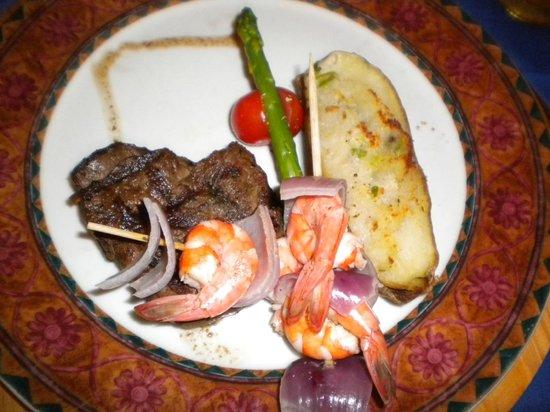 Hotel Riu Palace Paradise Island:                   Great food.