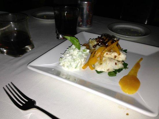 Sea bass with lemon sauce: fotografía de Bistro Teresa, Puerto ...