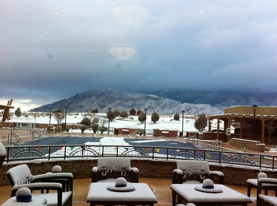 Sandia Resort & Casino: pool area