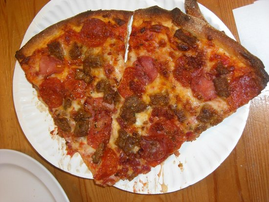 The Pizzeria : Meat lovers pizza
