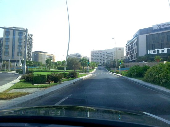 Park Inn by Radisson Abu Dhabi Yas Island: Keep missing the hotel building...!