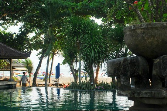 Besakih Beach Hotel:                   Second pool overlooking the beach