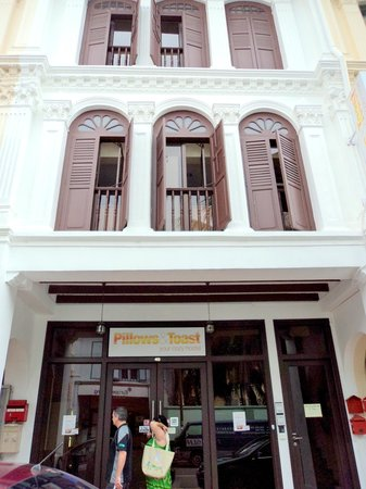 The Bohemian Chic Hostel:                   Sept 2011 - The facade at Mosque St. I miss P&T!