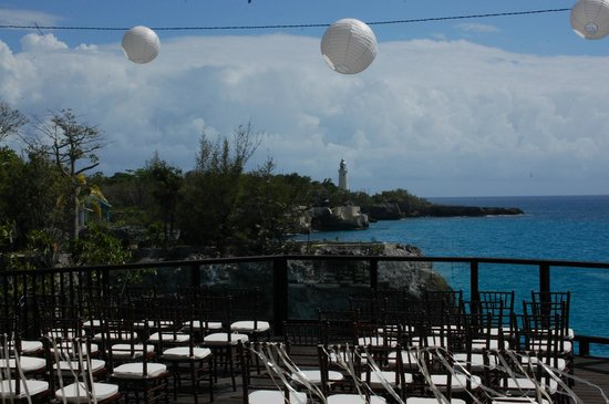 Villas Sur Mer:                   More wedding set up