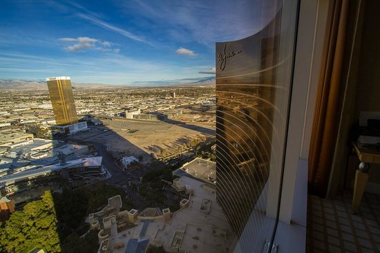 Wynn Las Vegas:                   Morning view