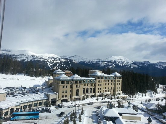 ‪‪Fairmont Chateau Lake Louise‬:                   View from our room