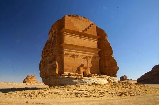 Madain Saleh Tombs:                   The most photographed tomb. Najbardziej fotografowany grobowiec
