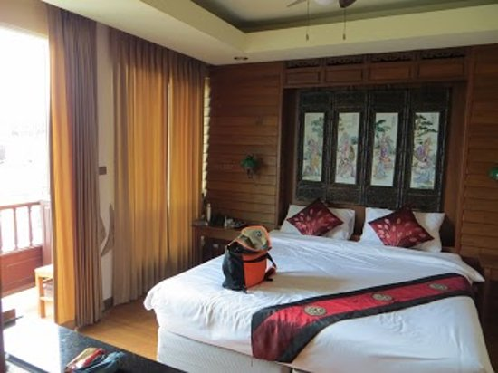 Lamphu Tree House:                   Lamphu deluxe room on the 6th (top) floor in the second building