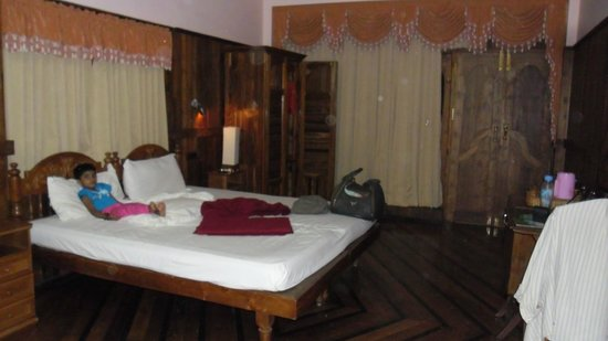 Sun Tara Beach Resort :                   Room