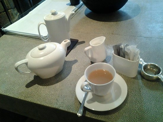 Knightsbridge Hotel:                   Tea in the common living room