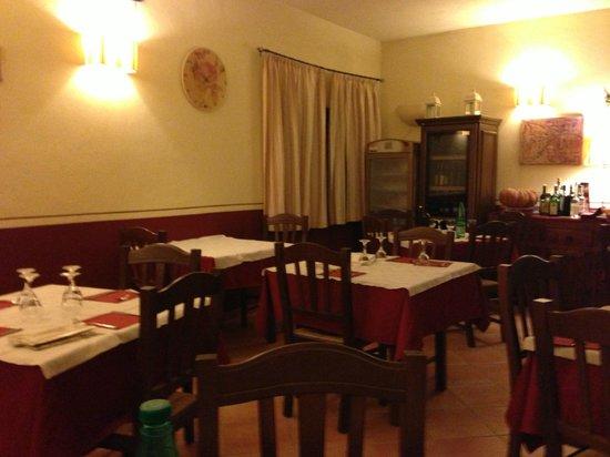 Pescia Romana, Itálie:                                     scorcio della sala