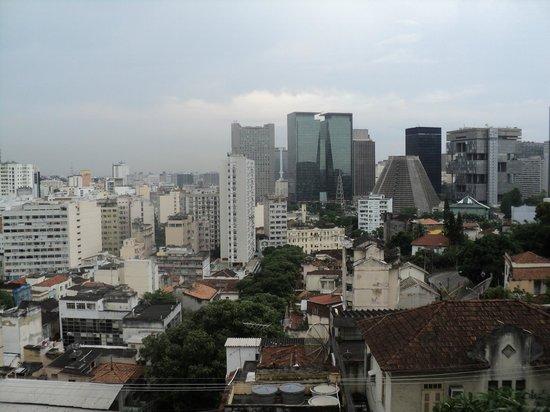 Rio Hostel & Suites Santa Teresa:                   vista desde la recepción