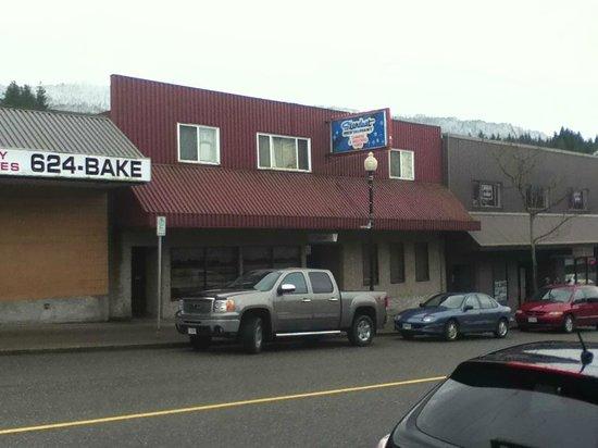 Stardust Restaurant from across the street