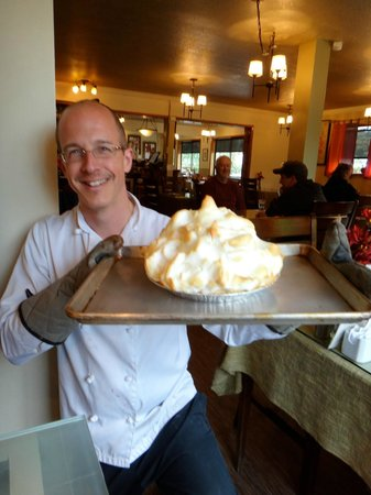 Robert's Place: Mile High Lemon Meringue Pie