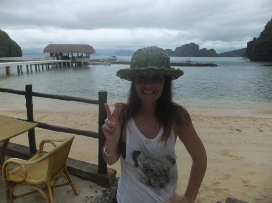 El Nido Resorts Miniloc Island: Coconut Hats :)